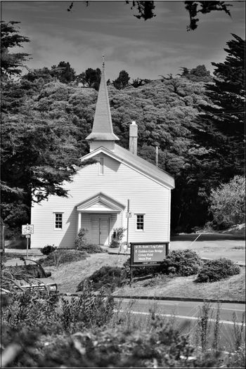 The Chapel At Fort Scott 3 Church Fort Winfield Scott Chapel Built 1941 The Presidio San Francisco CA🇺🇸 U.S.Army Military Base Non-denominational Church Seats 300 Worshipers Morale Booster For Troops Monochrome_Photography Monochrome Black & White Black & White Photography Black And White Black And White Collection  Architecture Architecture_collection Landscape Landscape_Collection Road Steeple Tree Religion Place Of Worship Countryside Road Marking Vehicle Tranquility