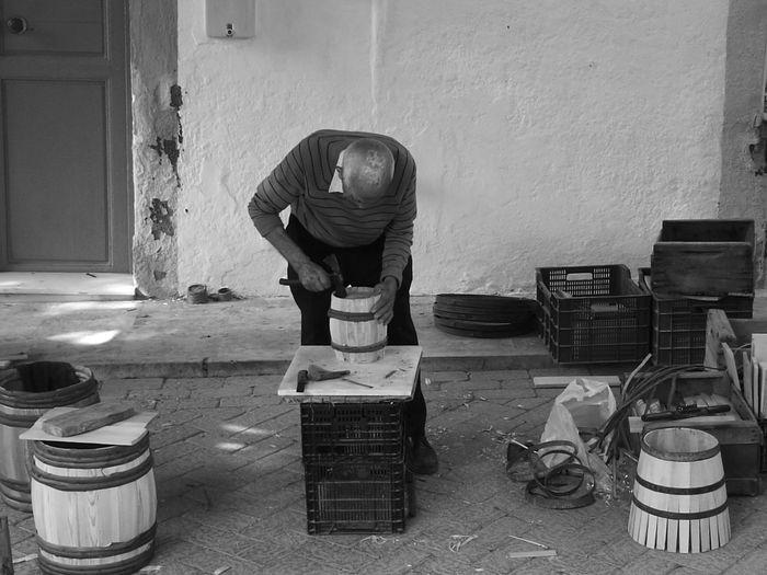 Jornada recuperación oficios antiguos. Barriles de uva. Terque, Almería Man Made Object Black And White Making Barrels
