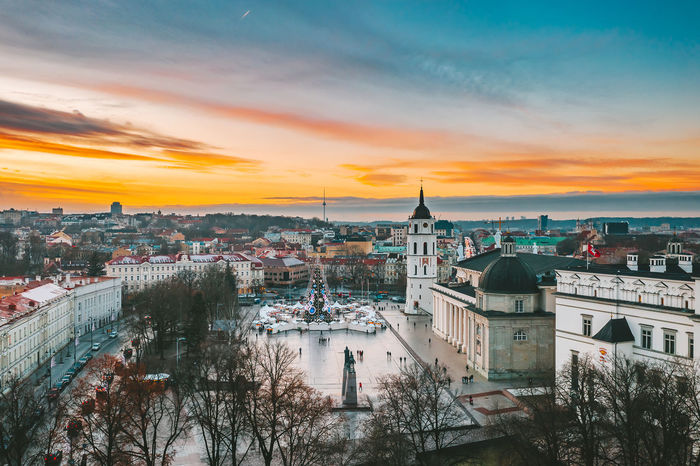 Cathedral square Capture Tomorrow Drone  Aerial View Aerial Mavic 2 Mavic 2 Pro Europe Lietuva Cathedral Square Architecture Built Structure Building Exterior City Sky Cityscape Building Residential District High Angle View Nature Crowded Crowd Sunset Travel Destinations Cloud - Sky Connection River Outdoors