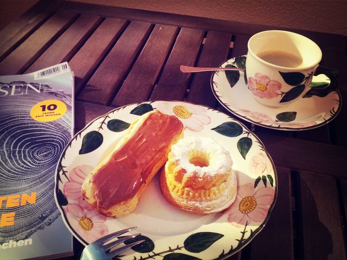 Coffee Break with Eclairs Au Chocolat and Gugelhupf The Foodie - 2015 EyeEm Awards