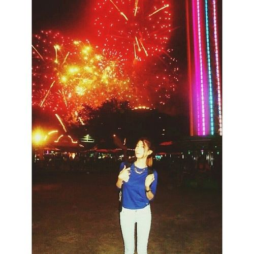 'Cause baby you're a firework. Chos PutukanNa EvenItsNotYetEvenNewYear Fireworks Colors instagood instadaily Thanks Bave ♡ @jessabad95