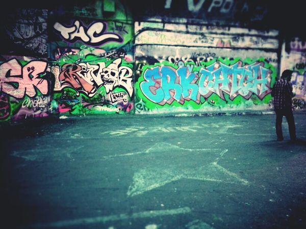 ★Star Sign★ Graffiti Streetart Andrographer Londononly