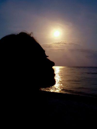 The Mobile Photographer - 2019 EyeEm Awards Water Sea Wave Sunset Beach Beauty Sand Silhouette Sun Shadow The Portraitist - 2019 EyeEm Awards The Great Outdoors - 2019 EyeEm Awards The Minimalist - 2019 EyeEm Awards