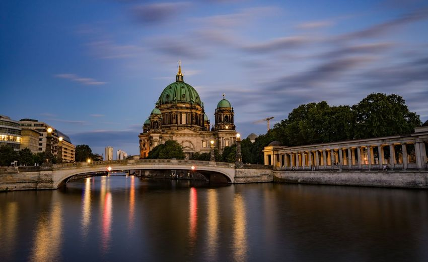 Berlin cathedral over river in city