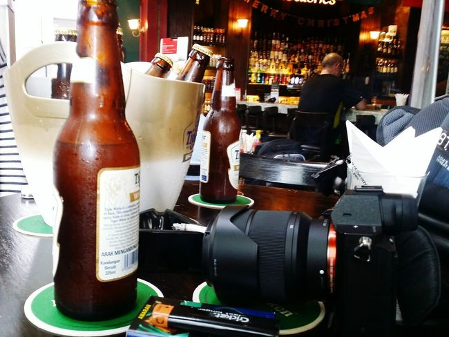 Toxiccandiiphotography Toxic Life Beers Camera Cigarette  Hanging Out Relaxing Enjoying Life Relaxing Moments No People