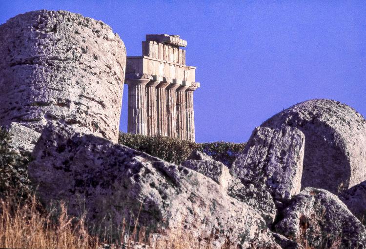Ancient Civilization Archeology Architecture Famous Place History Monument Old Ruin Outdoors Selinunte Selinunte Colonne Del Tempio E O Di Era