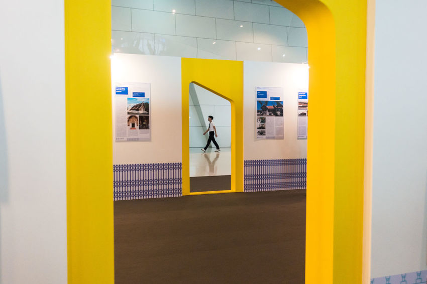 Architecture Sony Sony RX100 IV Street Photography Streetphotography Yellow The Street Photographer - 2017 EyeEm Awards