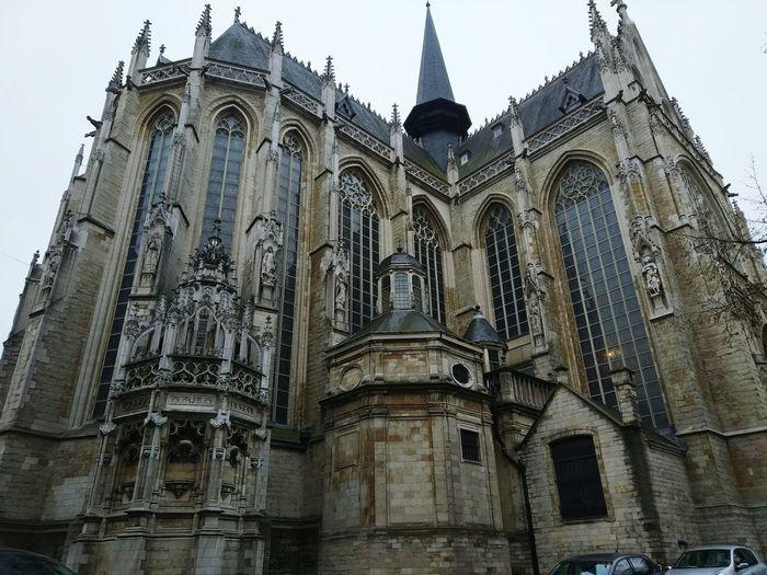 Religion Spirituality Architecture Low Angle View History Built Structure Building Exterior City Bruxelles Brussel.les Bélgica Belgium Notre Dame Bruxelles