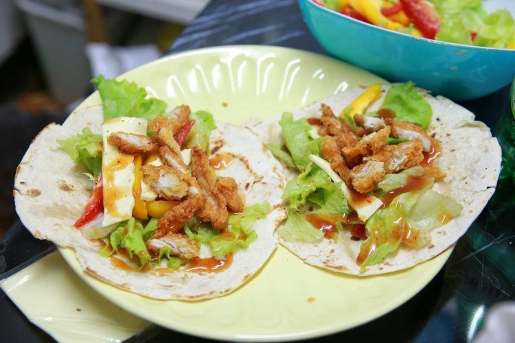 치킨 또띠아 Home Made Mexican Food Wrap Seoul_korea Canon 6D Chicken Tortilla Eyem Food Photos 鸡肉卷 吃饭时间 From My Point Of View Sigma 24-70mm