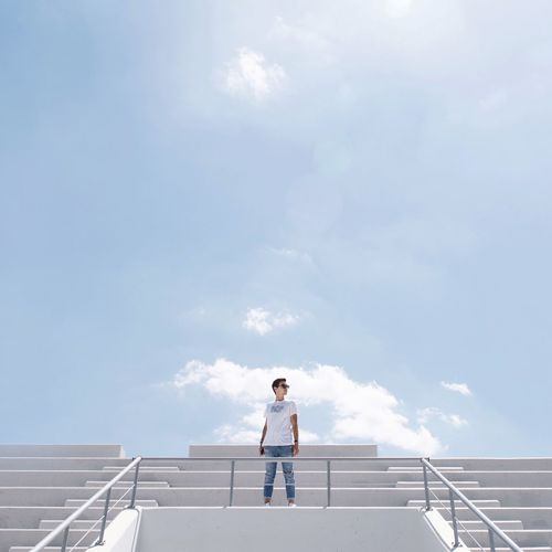 TCPM Cloud - Sky Railing One Person Sky Outdoors Standing One Man Only Architecture People Art Is Everywhere Architectural Feature Architecture Architecturelovers Minimal Architectureandpeople Architecture_collection Minimalobsession Minimalpeople Break The Mold Minimalmood Minimalism Built Structure Architectureporn Minimalist The Architect - 2017 EyeEm Awards