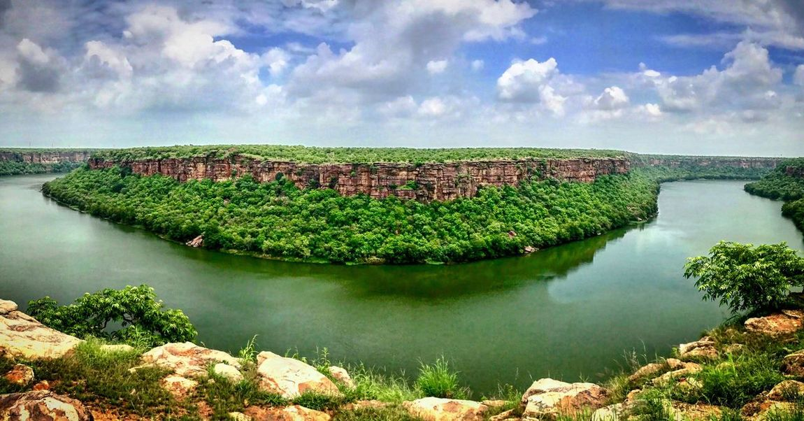 When you see something like this, you wonder how, and keep wondering, what a beautiful view it is want to keep admiring it Kota Rajasthan Kota City Gadariyamahadev Chambal River Incredible India Rajasthan