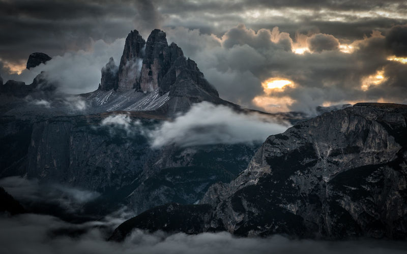 Mordor Cloud - Sky Sky Scenics - Nature Mountain Beauty In Nature Rock Nature Non-urban Scene No People Geology Environment Mountain Range Physical Geography Solid Rock - Object Outdoors Power In Nature Mountain Peak Formation Weather Dramatic Sky Dramatic Clouds Mountains