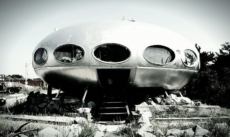 After watching Star Wars The Force Awakens on BLU-RAY, I was compelled to re-post a pic of the Hatteras Island Spaceship. Second most photographed thing on the OBX - behind the Cape Hatteras Lighthouse North Carolina Roadside Attractions Unusual Find By The Sea EyeEm EyeEm Gallery Eyeemphotography S6 Black & White Edit :)  Roadside Oddities Roadside America Envision The Future Edit No. 3