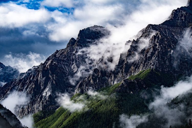 A rainy day turned sunny, cloud over the mountain, just enough to review the natural beauty Mountain Sky Cloud - Sky Nature Snowcapped Mountain Scenics Outdoors Day Beauty In Nature Nature
