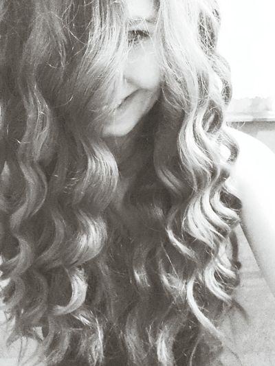 Hayir yani bazen ben bile kiskaniyorum saclarimi, sizede hak veriyorum tabisi. Hair Inlove Smile ???