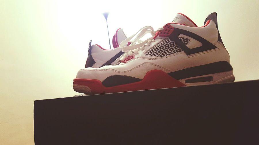 Welcom to my news Jordans Retro Quatre Sneakers Sneakersaddict Sneaker SneakerPorn 23 Redtorro Streetwearclothing Streetwear Streetwearfashion