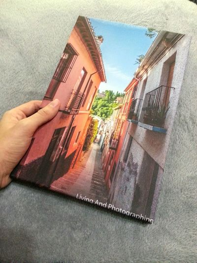 My picture on canvas. A gift from my sister, thanks so much! Canvas Lienzo Streetphotography Street Calle Callejeando Granada SPAIN España Andalucía