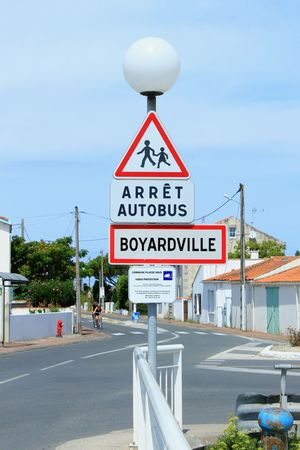 Arrêt autobus 🚍 Sign Stop Sign Red Danger France Travel Canon Beautiful Wanderlust Canon1200d Blue Sky CanonEos1200D Colorful Vacation Summer Sky Sun Holiday Road Boyardville Fort Boyard