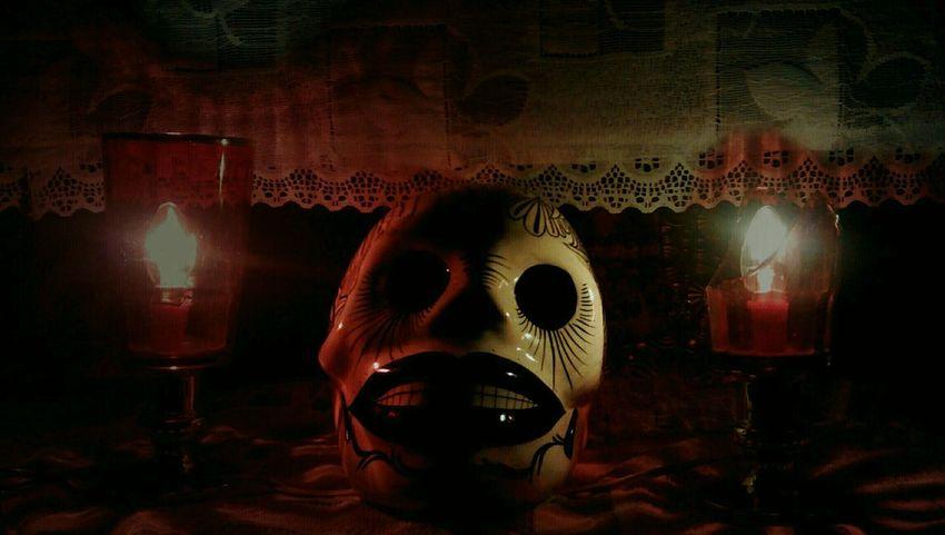 Calavera  Skulls♥ Altars Muerte Ritual Ofrenda Al Dia De Muertos Candle Light Light And Shadow Dark Photography Mexico De Mis Amores