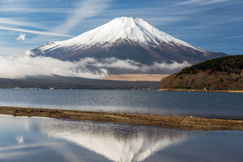 ASIA Cloud Japan Japan Photography Japanese  Morning Morning Light Mount FuJi   Reflection Winter Yamanashi Fuji Fuji Five Lakes Fujiyama Lake Lake Yamanaka Mountain Nature Sky Snow Snowcapped Mountain Vapor Trail Water