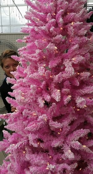 Pink tree... love it! Pinktree faces Me Peekaboo! Self Portrait