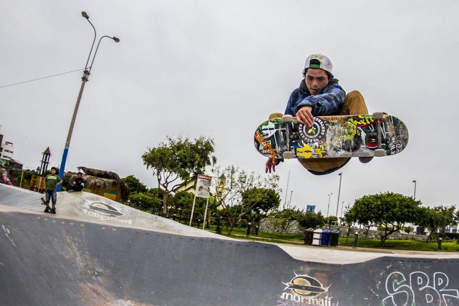 Payasito Aereo Aerial BlackEarth Independenttrucks Outdoors SBR Skateboarding Skatelife Winter