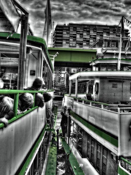 Das neben uns liegende Schiff wird geentert. Schifffahrt Schiff Splash Green Cologne , Köln,  Rhein Eeyem Photography EyeEm Eye4photography  Ey Discover Berlin