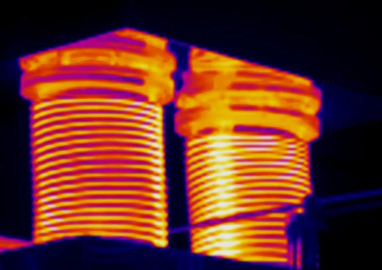 Abgasleitung Heiß Heiß Und Kalt Hot Industrieaufnahme Motor Thermographie Wärmeverteilung