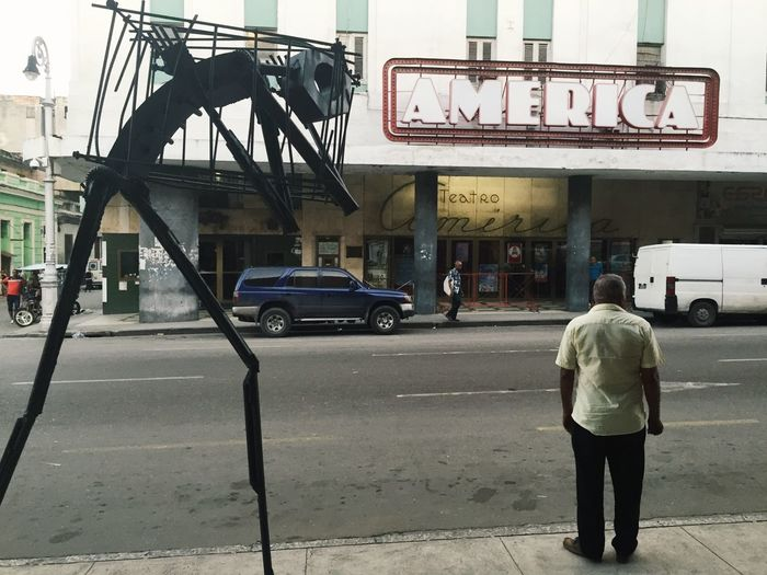 America Cuba Streets Sculpture Theater Man Streetphotography Street Life