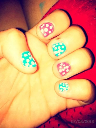 i did my nails .. but they came out fucked up -.-