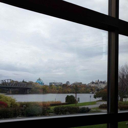 Vista del Lago Ontario desde el Museo de las Civilizaciones, Onttario, CA.