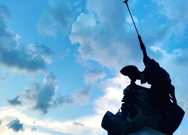 Statue Sky Sculpture Low Angle View Art And Craft Silhouette Cloud - Sky Monument Outdoors EyeEm Best Edits Shadow Photography BestofEyeEm From My Point Of View Still Life No People FreshonEyeem City Life Monza Igerslombardia Whatitalyis