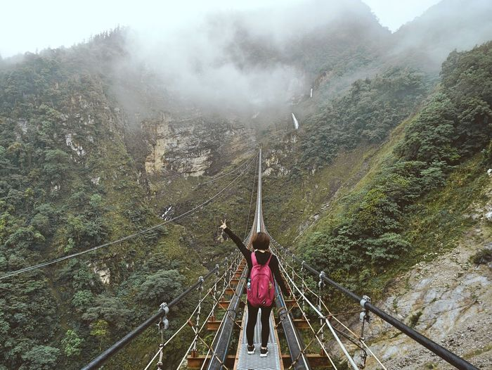 Bridge Long Shake Exciting One Person People Nature Mountain Tree Beauty In Nature Cloud High Angle View Scenics Lifestyles Travel Hanging Out Outdoors Relaxing EyeEm EyeEm Nature Lover EyeEm Best Edits Enjoying Life Taiwan 南投 雙龍吊橋