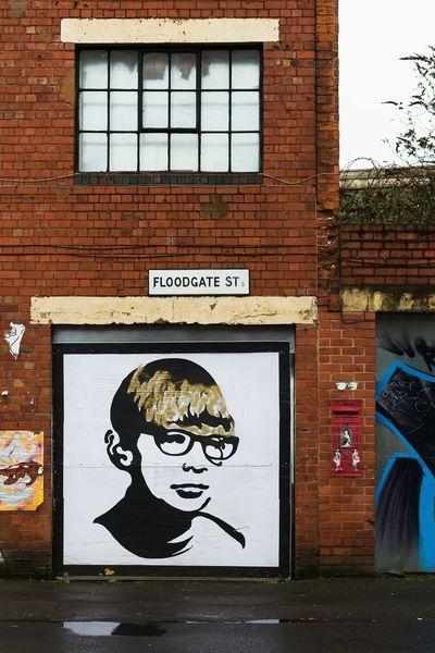 Street art in Digbeth. Wallart Graffiti Streetphotography D7606 Brick Wall Goldenboy