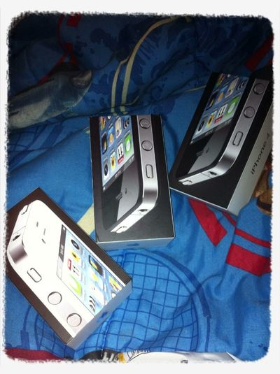 Lol team iphone in diz house wassup