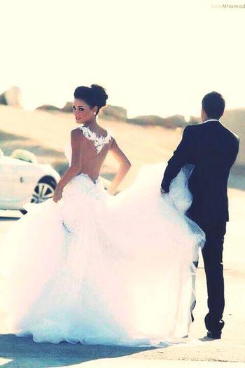 *T'es invité au mariage du plus frais et d'la plus fraiche, en mode oriental palace Dubaï Marrakech. Bugatti Bentley dans l'cortège. Escorté par la pègre bébé, que dieu nous protège * ROHFF Indila First Eyeem Photo