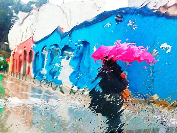 Soñando un paseo en la lluvia. Graffiti Textured  Paint Textured Effect Full Frame Day Multi Colored Close-up One Person Adults Only People Adult Built Structure Painted Image The Street Photographer - 2018 EyeEm Awards The Creative - 2018 EyeEm Awards EyeEmNewHere