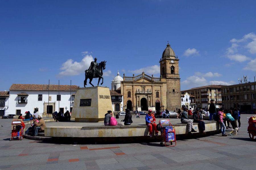Statue Horse History Plaza De Bolivar Sunny Day Tunja Colombia