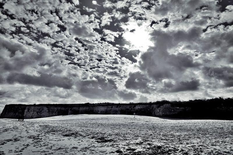octobre at the sea! England Harbour Harbourside Kent Ocean Ramsgate Kent Sea And Sky Seals Seguals Sunset Sunset #sun #clouds #skylovers #sky #nature #beautifulinnature #naturalbeauty #photography #landscape Waves