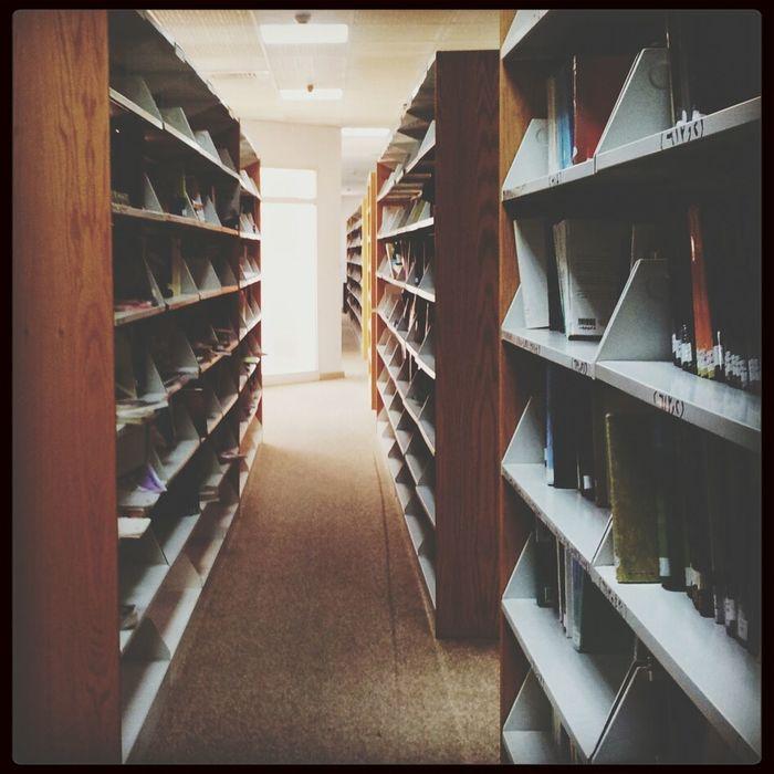 Bookshelf Books تصويري  كتب