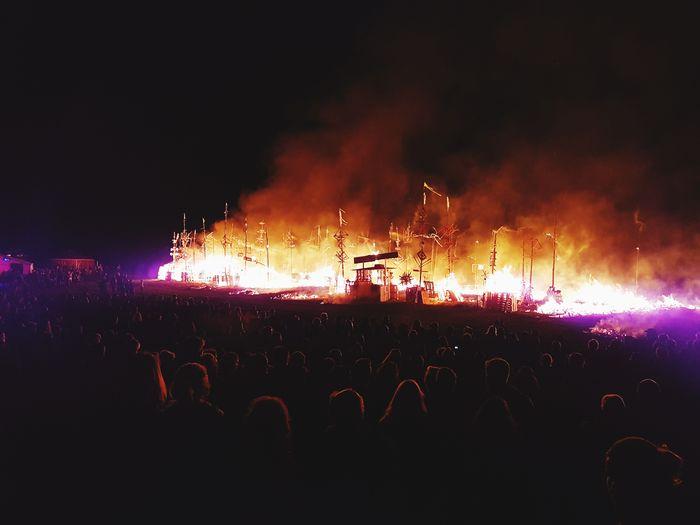 Abschlussfeuer - Labystan geht in Flammen auf!