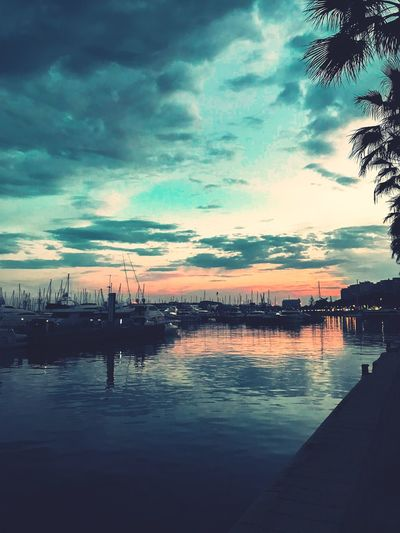 Puerto de Alicante Puerto Boats Water Sky Cloud - Sky Sunset Sea Nature Beauty In Nature Scenics - Nature