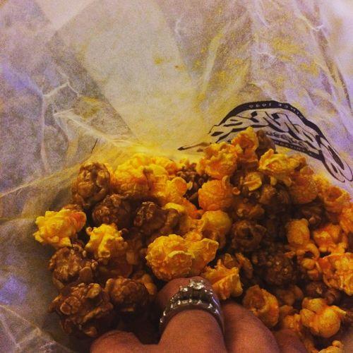 Garrett Popcorn Downtown Chicago Lovethis My Food