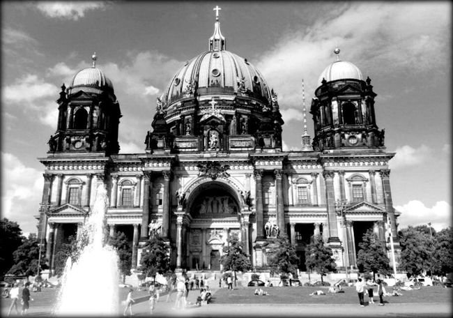 ..another time..another city..but the same World.. Berlin Hauptstadt Berliner Dom Kathedrale Church EyeEm Best Shots - Black + White Religion EyeEm Best Shots EyeEm Deutschland From My Point Of View