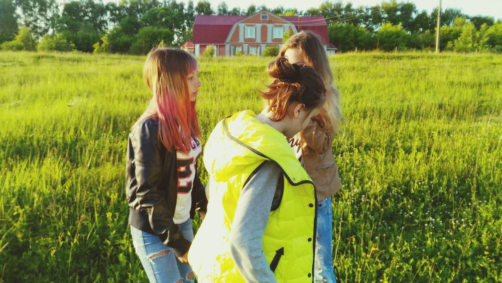 Summer Field My Friends And Me Beautiful Girls  3 People 3 Girls