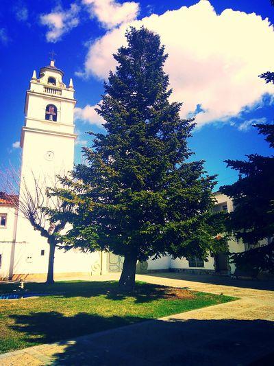 iglesia de sucs Iglesia Pueblos De España Día Soleado Sun Abeto