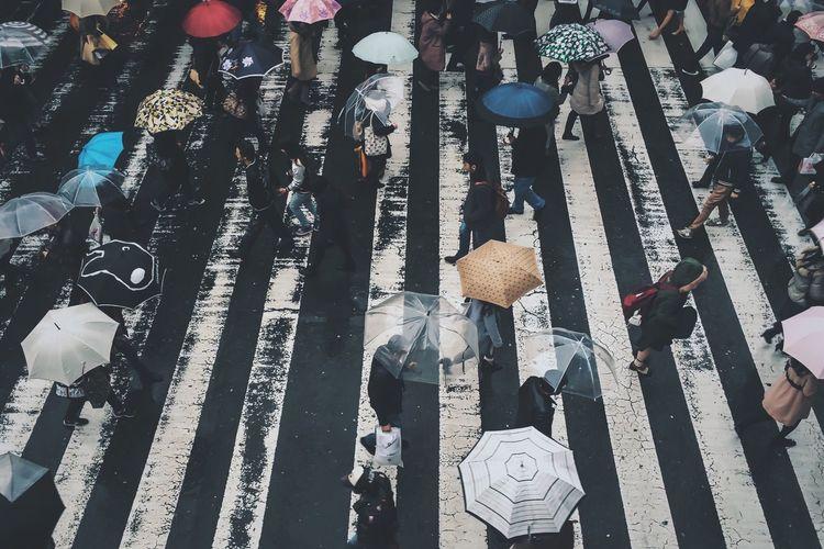 Rainy day at OSAKA, Japan 2015 Streetphotography Mobilephotography EyeEm Best Shots MWJP Youmobile Urbanlandscape Clowded Street The Street Photographer - 2018 EyeEm Awards