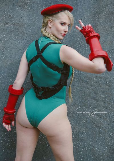 Green Red Smile CAPCOM Fighter Cammycosplay Cammy Cosplay Cosplayer Street Fighter Game Comic Con Red Young Adult Clothing Standing One Person Lifestyles Adult Fashion Young Women Portrait