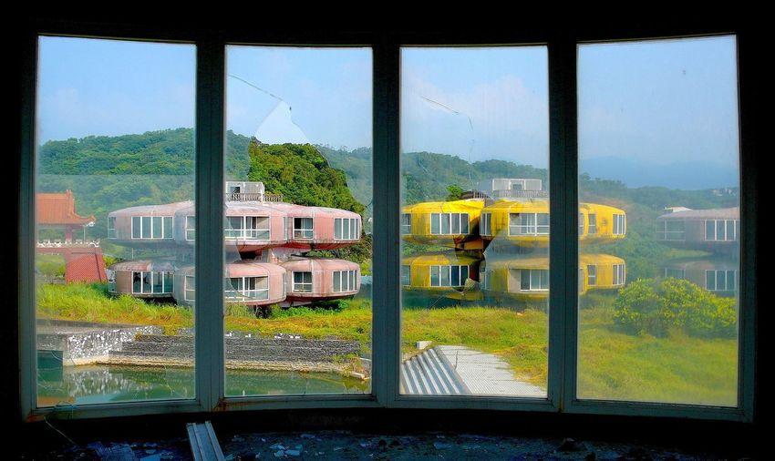 Abandoned Resort Haunted Resort Pod House Pod Village Prefab Prefabricated Building San-zhi Sanzhi Sanzhih Taiwan Trough The Window UFO Houses