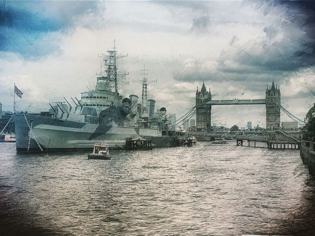 Towerbridge Hmsbelfast London Riverthames